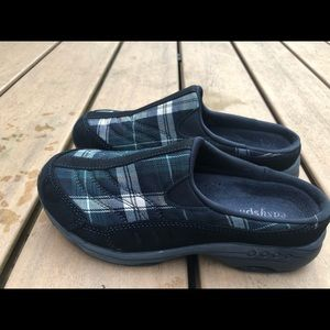 Easy Spirit Plaid Checker Slide On Shoes Size 6.5